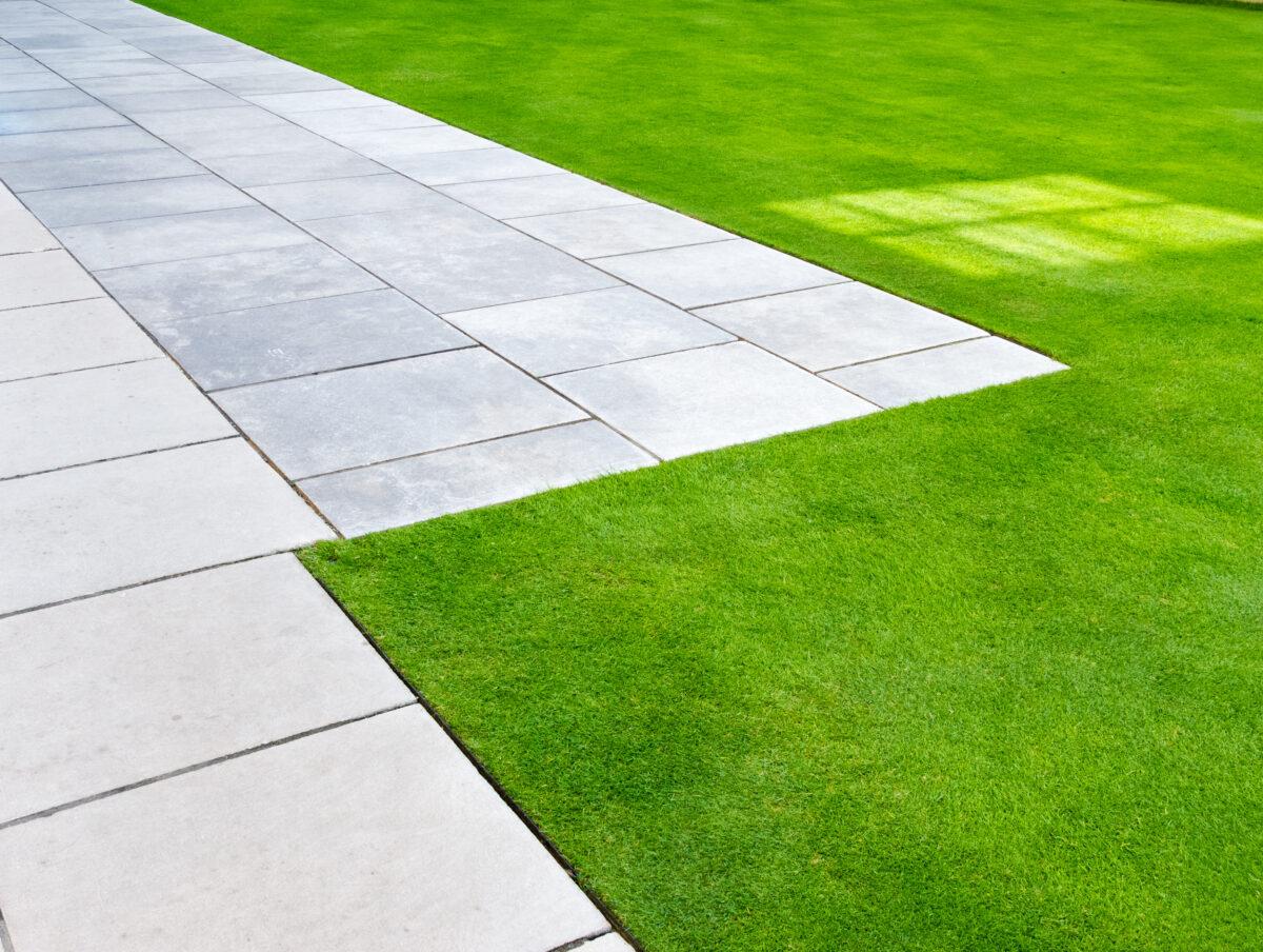 芝生を刈るときに使うターフカッター(エッジカッター)ってなに?使い方や必要性について紹介